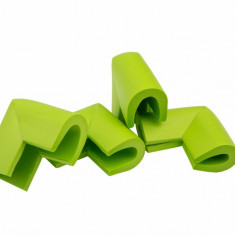 Set 4 coltare in forma U verde 3.5x0.7x6 cm