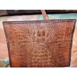 Geanta din piele de crocodil, lucrata manual.