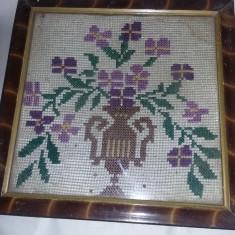 Tablou taranesc cusut tip goblen,tablou cusut manual traditional vechi.T.GRATUIT