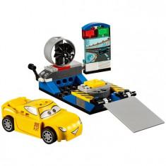 Simulatorul de curse Cruz Ramirez LEGO Juniors Disney Cars 3 (10731)