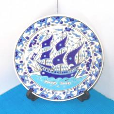 Farfurie (aplica) ceramica, cloisonne - Corabie - marcaj Faros Paradisi, Grecia