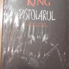 Pistolarul de Stephen King. Nemira