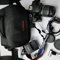 Aparat foto Canon EOS 1000D + accesorii