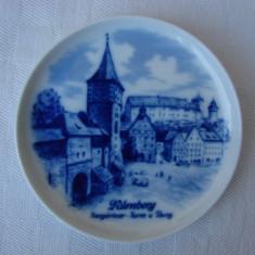 Frumoasa farfurioara din portelan german KAISER infatisand Nurnbergul, Decorative