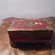 caseta veche  lemn