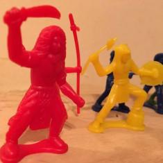 Cumpara ieftin Lot mix 9 figurine indeni si cowboy plastic, cca 5-6cm