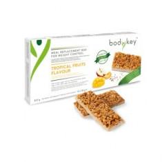 Baton înlocuitor de masă bodykey by NUTRILITE™ - aromă de fructe tropicale