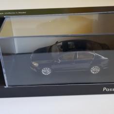 Macheta Volkswagen VW Passat B7 1/43 noua  Dealer Edition