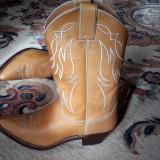 Cizme cowboy, originale Justin, piele naturala brodata, marimea 8b(USA), 39, Bej