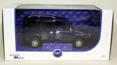Macheta Fiat Doblo Malibu scara 1:24 foto