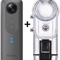 Pachet Camera Video de Actiune Ricoh Theta V, Filmare Ultra HD 4K, 360 grade + Carcasa Subacvatica Ricoh Housing Case TW-1 (Gri Metalic)