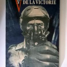 "Doru Davidovici - ""V"" de la victorie"