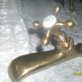 Robinet bronz si portelan