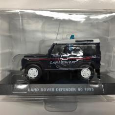 Macheta Land Rover Defender 90 - 1995 CARABINIERI scara 1:43