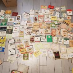 Lot 1000 + etichete vechi perioada comunista: vinuri, bauturi alcoolice