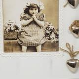 Rama foto din lemn cu accesorii, vintage, alba