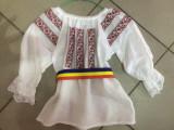 IE 3 luni-14 ani - FETE COPII (costum national popular tricolor steag), Marime universala, Din imagine