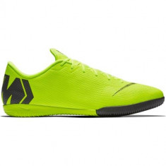 Ghete Fotbal Nike Vapor 12 Academy IC AH7383701