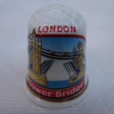Degetar din portelan englezesc inscriptionat London Tower Bridge, Decorative