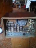 Aparat de radio popular Carpati cu lampi