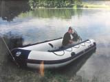 Barca cu motor Yamaha de 30 CP si peridoc