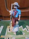 Bibelou vechi - pescar, din portelan, din perioada comunista (romanesc)