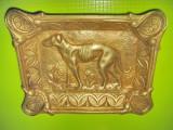 6411-Scrumiera trabucuri veche Caine Vanatoare bronz masiv stare buna.
