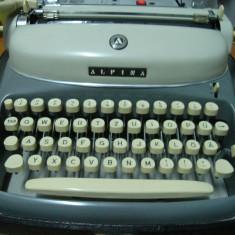 Masina de scris ALPINA+banda noua de scris