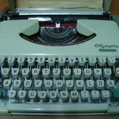 Masina de scris OLIMPIA SPLENDID+banda noua de scris
