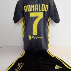 Echipament  fotbal pentru copii Juventus Ronaldo gri model nou, Alta