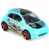 Masinuta Fiat 500 Hot Wheels, Colectia HW Daredevils, Mattel