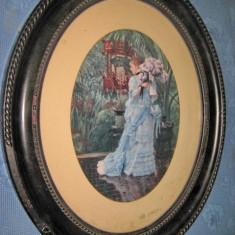 Lito veche cu rama ovala neagra-Femeie-vaza-flori de liliac privind in gradina.