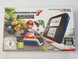 Consola jocuri Nintendo 2DS la cutie + accesorii originale + Mario Kart 7
