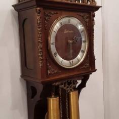 Pendula,ceas de perete cu 2 greutăți