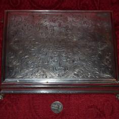 CUTIE BIJUTERII - ARGINT 800 - Caseta - Gravata manual - 20.5 x 15.5 cm - 496g., Ornamentale