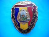 HOPCT ROMANIA INSIGNA VECHE MILITARA MILITAR DE FRUNTE -PRINDERE CU SURUB [ 2 ], Romania de la 1950