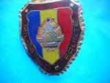 HOPCT ROMANIA INSIGNA VECHE MILITARA MILITAR DE FRUNTE-STEMA MICA-CU SURUB [3], Romania de la 1950
