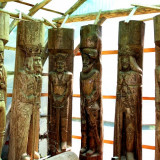 Statui din  lemn  masiv in marime naturala