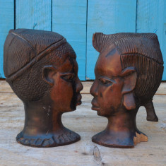 PERECHE 2 STATUETE AFRICANE - OPRITOARE DE CARTI - SCULPTATE IN LEMN EXOTIC DENS