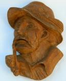 Sculptura - VANATOR cu PIPA - lemn lucrat manual (are peste 50 de ani!)