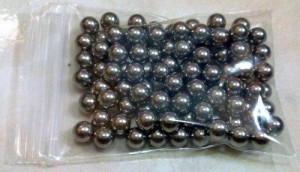 Prastie de Vanatoare cu 100 de Bile Metalice