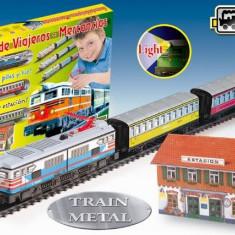 Trenulet Electric Calatori Cu Far Si Macheta (Colorat), Pequetren