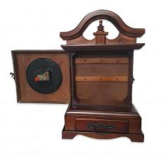 Ceas lemn Full 3809, masiv, stativ, dulapior pentru chei si sertar Cod produs: cealem3809