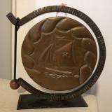 Gong vechi,francez,pe suport,,cu ciocanel