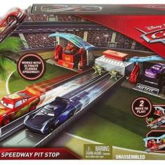 Set Jucarii Disney Pixar Cars 3 Florida Speedway Pit Stop Playset, Mattel