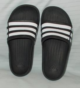 Papuci copii ADIDAS - NR 31