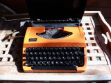 Masina de scris japan portabila