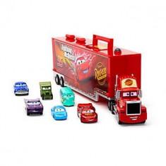 Camion Mack cu 6 masinute metalice incluse - Disney Cars
