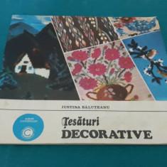 ȚESĂTURI DECORATIVE/ IUSTINA BĂLUȚEANU/ 1981
