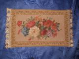 Napron, tapiserie, model floral deosebit